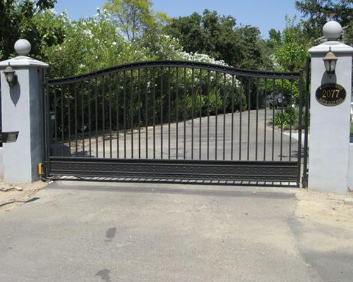Iron Driveway Gates Iron Driveway Gates And Wrought Iron